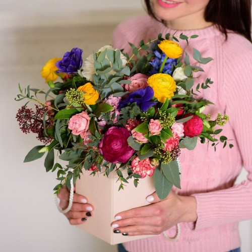 Коробка с цветами «Радостная жизнь»