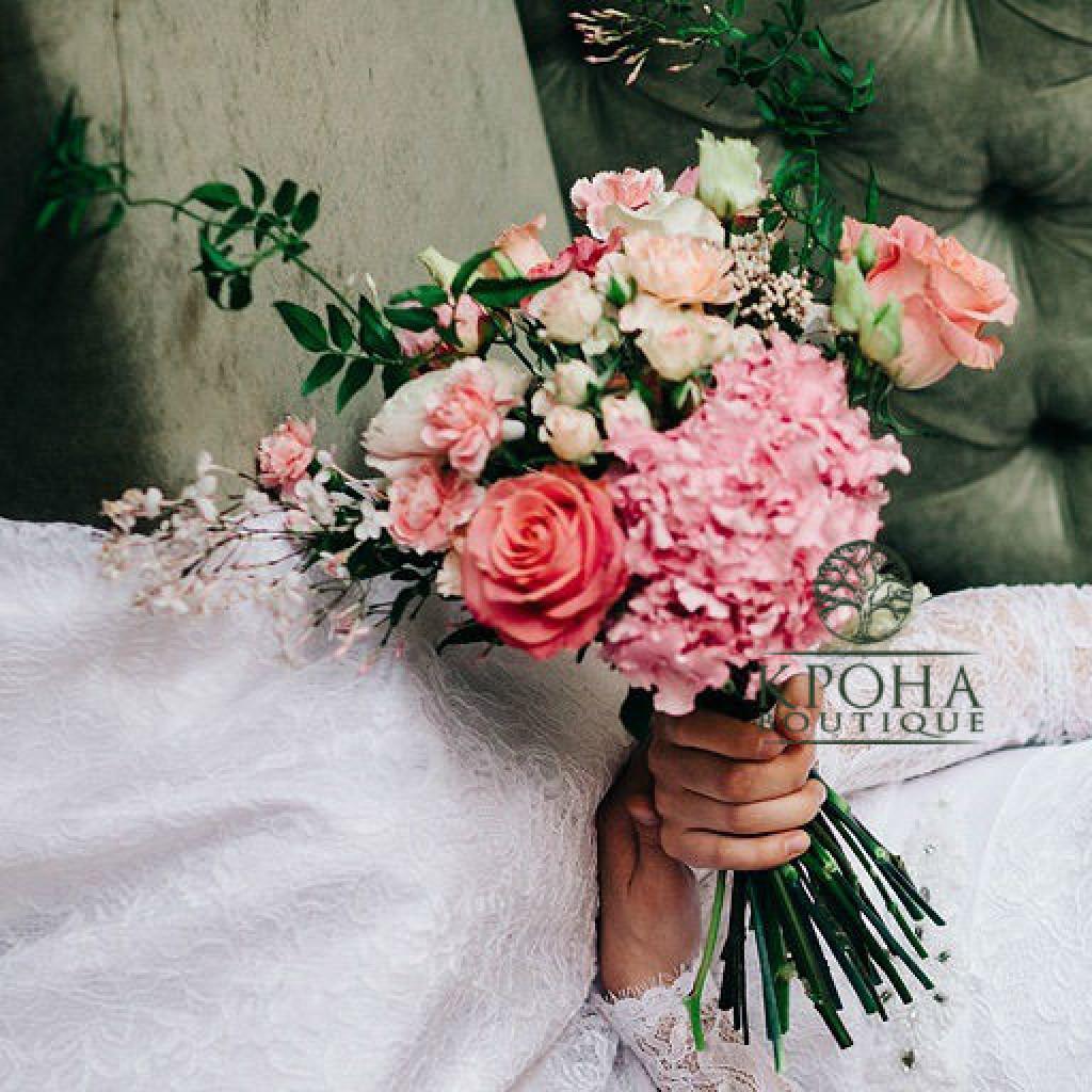 Букет «Розовый капкейк» - очарование и шарм композиции